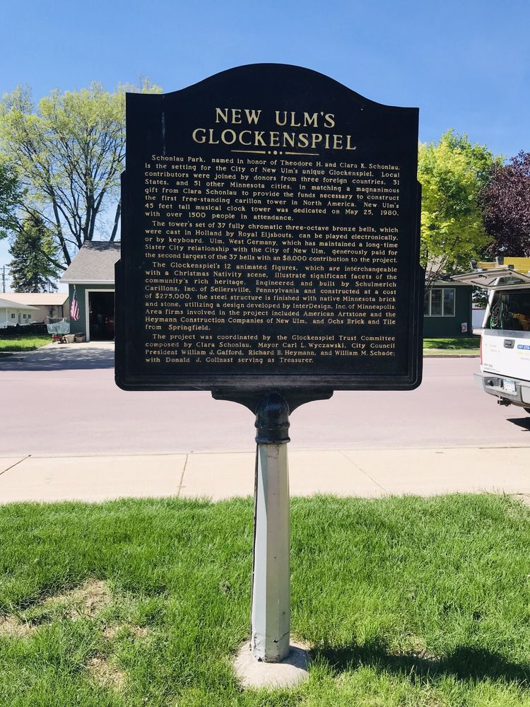 Glockenspiel Clock: N 4th St & Minnesota St, New Ulm, MN