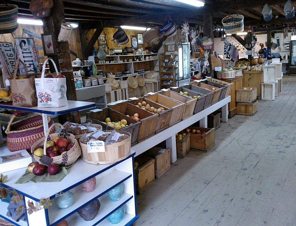 Apple Farm: 104 Back Rd, Fairfield, ME