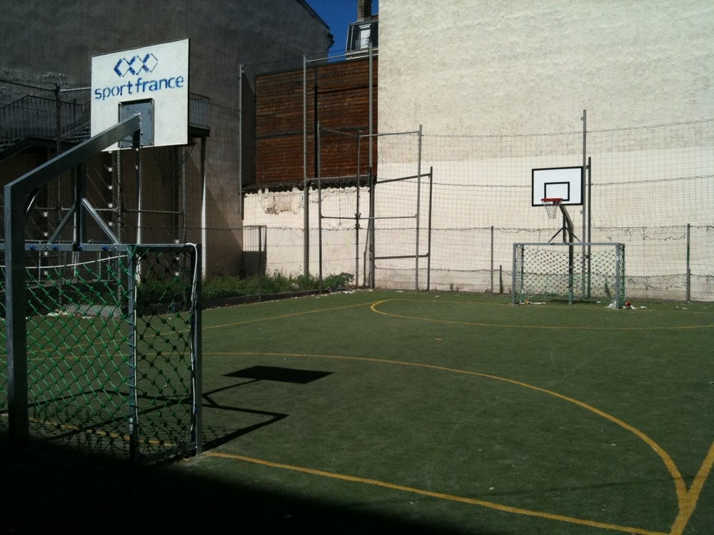 Terrain de sport alix arena stadion 41 rue smith for Terrain lyon