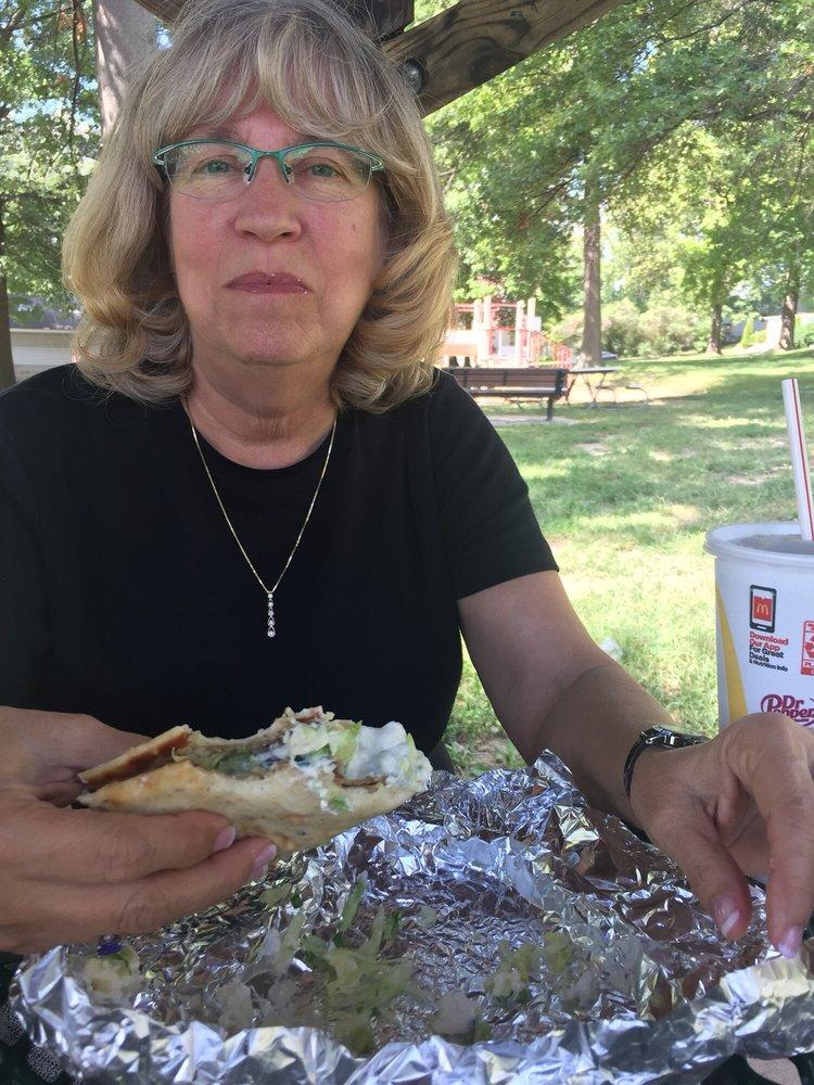 Hotdog Man: 500 Stewart Cir, Washington, MO