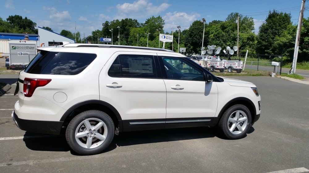 Colonial Ford Danbury Ct >> Colonial Of Danbury 13 Reviews Car Dealers 120 Federal Rd
