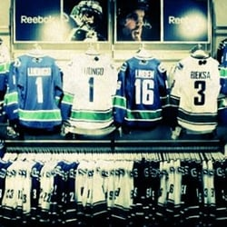 sale retailer 402ca 25a2e Canucks Team Store - 800 Griffiths Way, Downtown, Vancouver ...