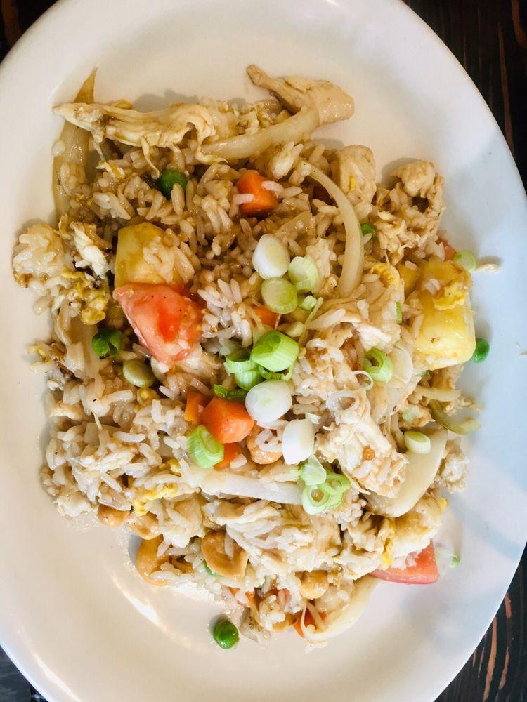 Nisa's Thai Kitchen: 575 E Harbor St, Warrenton, OR