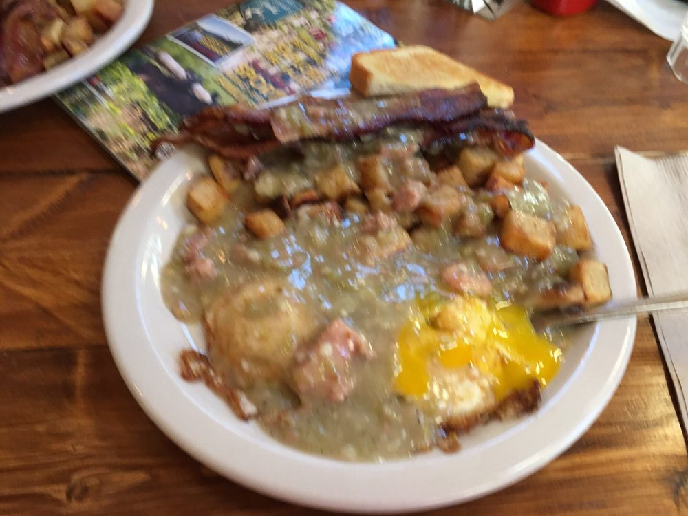 Colorado Grille & Tap House/ Mystic Biscuit Coffee House: 590 Grande Ave, Del Norte, CO