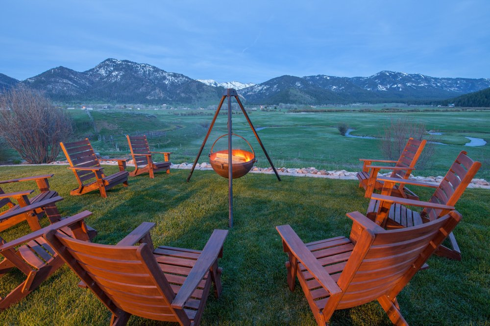 Star Valley Lodge: 4271 Willow Creek Ln, Bedford, WY