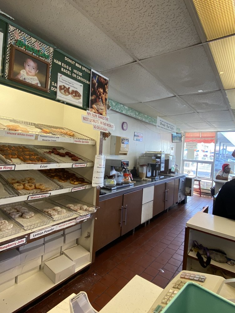 The Donut Man: 1290 6th St NW, Winter Haven, FL