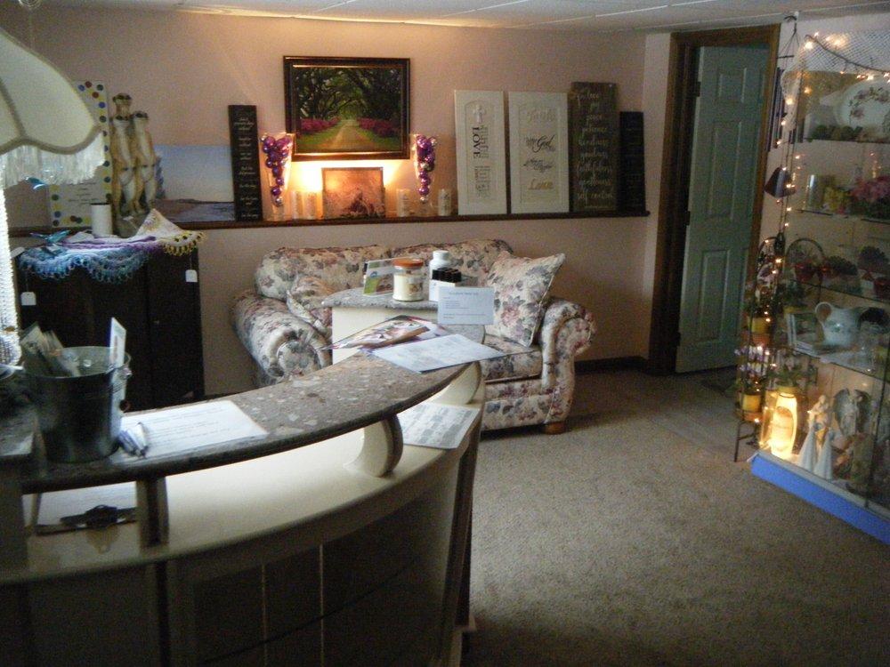 Two Hands Therapeutic Massage, Nancy Foradora: 200 Narrows Creek Park Rd, DuBois, PA