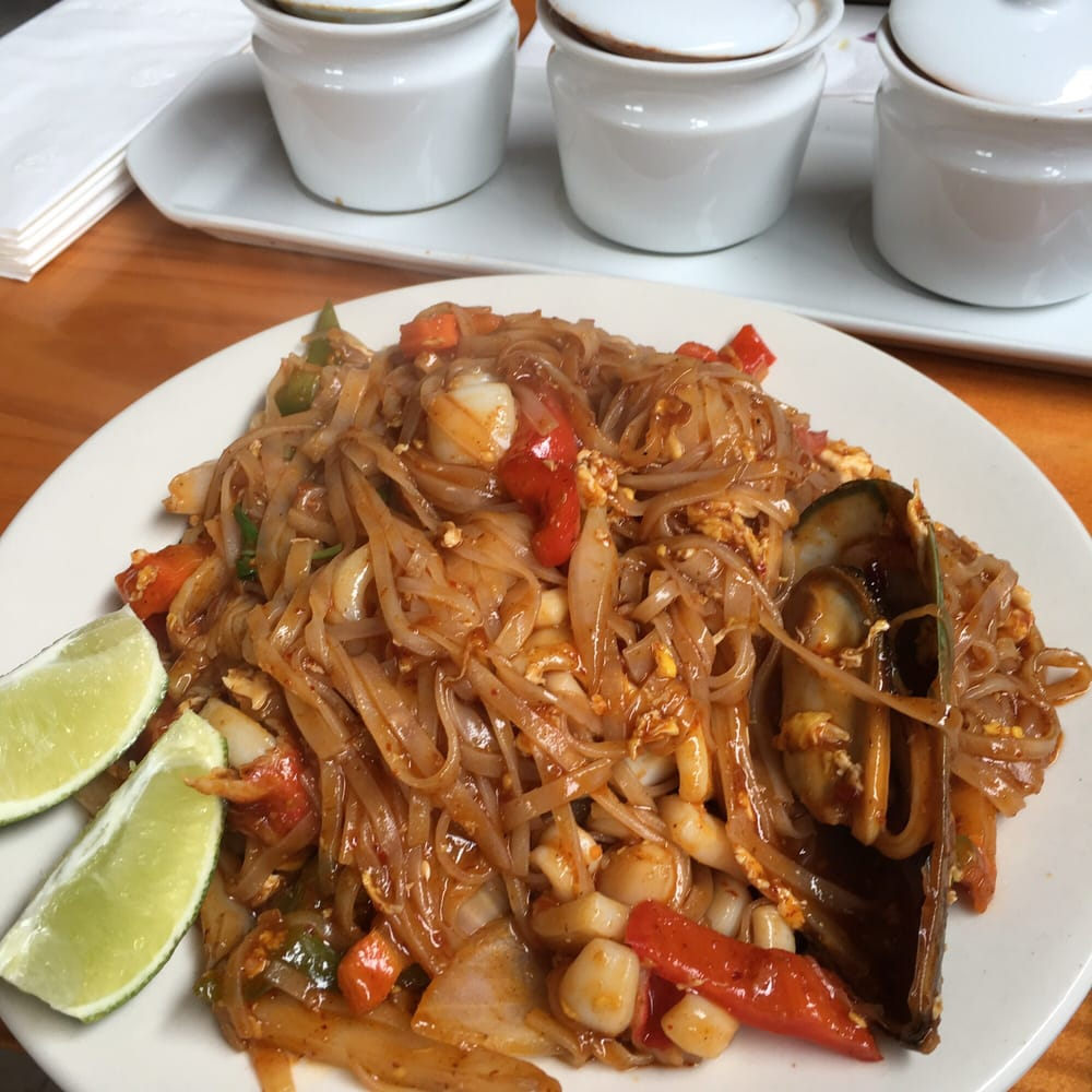 Thai Best Cuisine: 8401 Hampton Blvd, Norfolk, VA