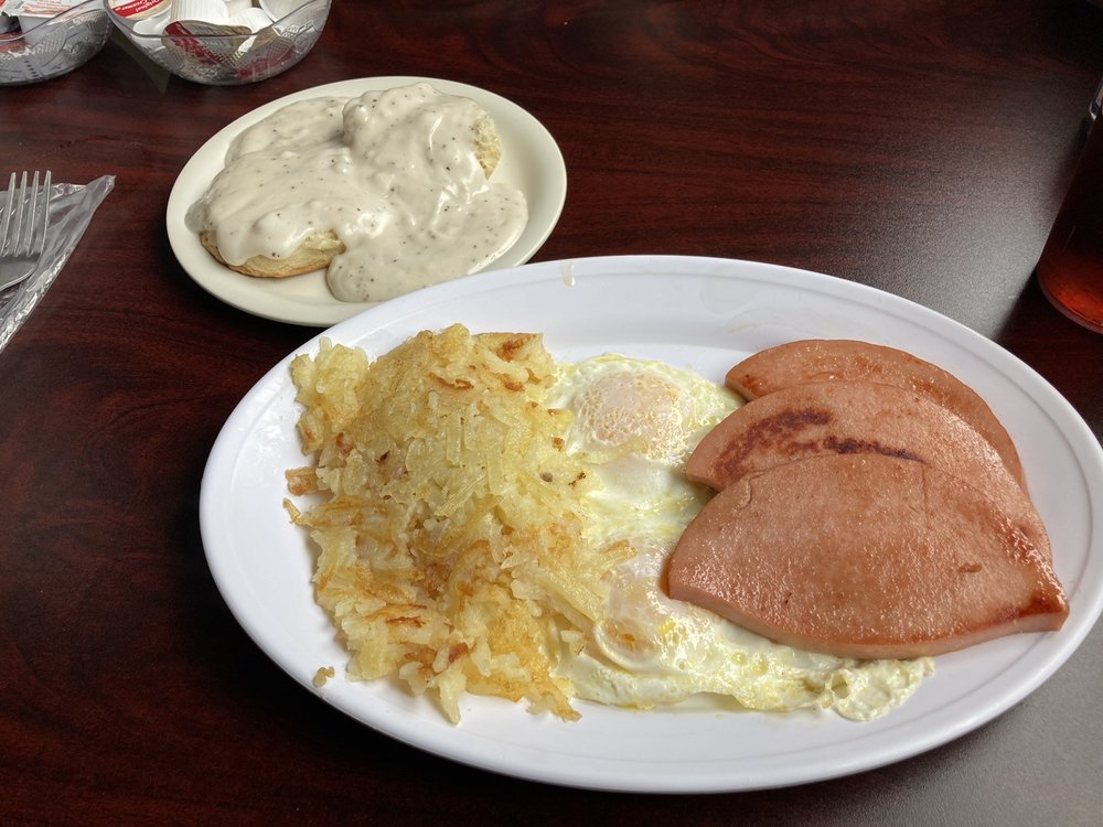 Dee's Diner: 1362 E 4th St, Owensboro, KY