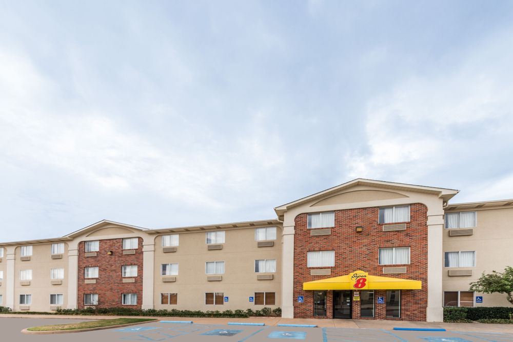 Super 8 by Wyndham Wichita Falls: 1307 Kenley Ave, Wichita Falls, TX