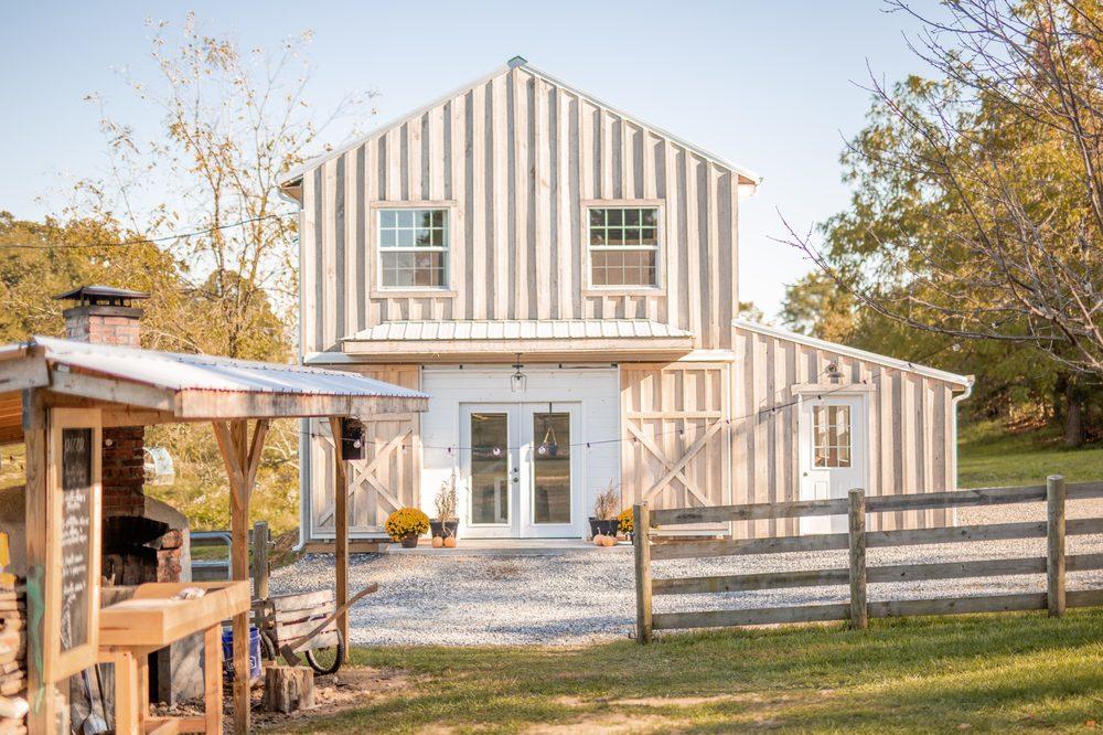 Seasons' Yield Farm: 165 Oakland Cir, Raphine, VA
