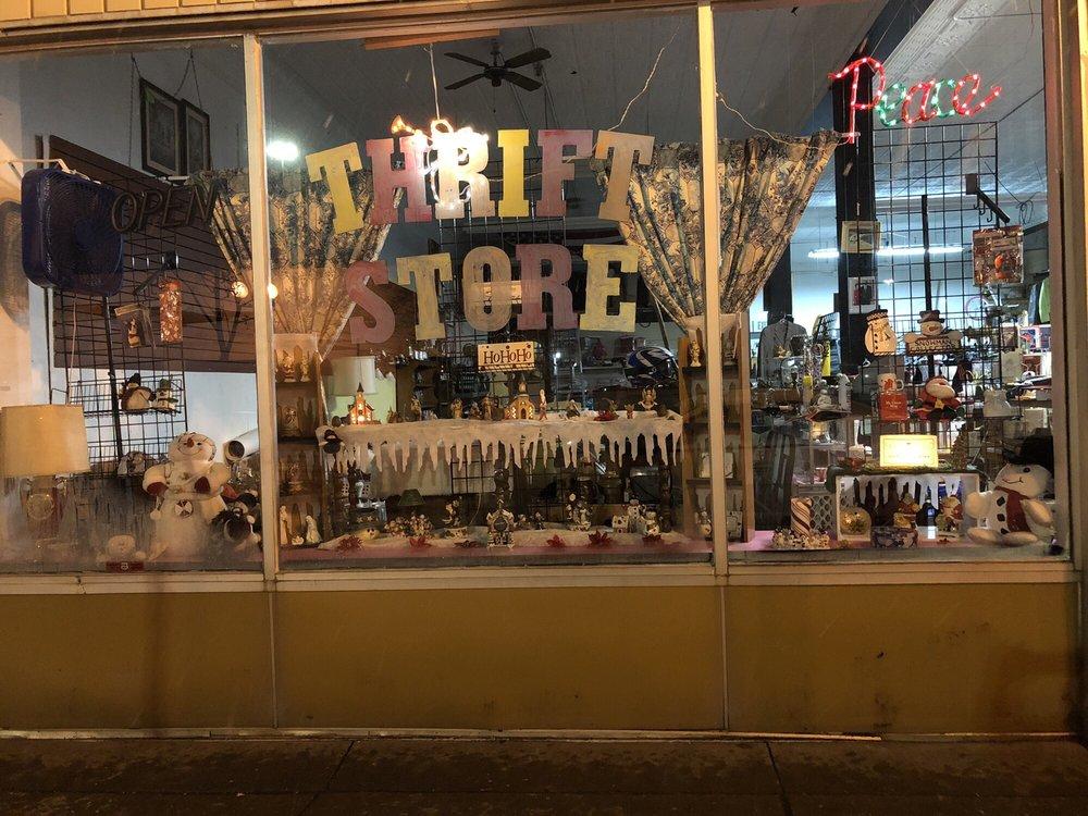 Thrifty Bowtique: 2117 W Superior St, Duluth, MN