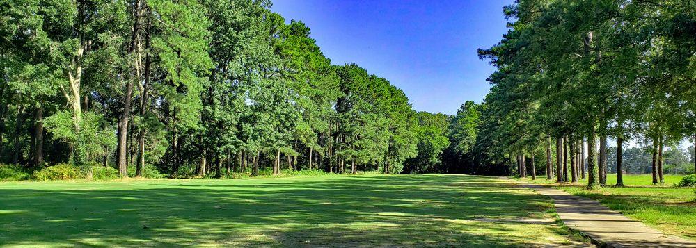 Bay Pointe Resort & Golf Club: 800 Bay Pointe Dr, Brandon, MS