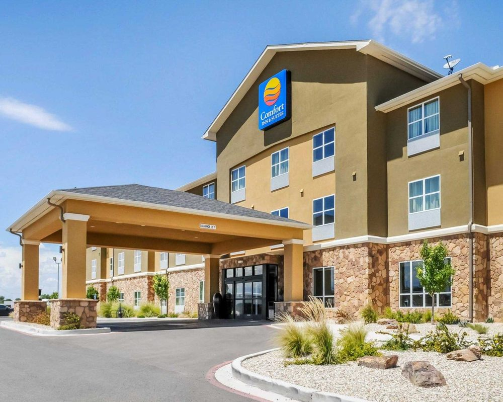 Comfort Inn & Suites: 115 North 26th St, Artesia, NM