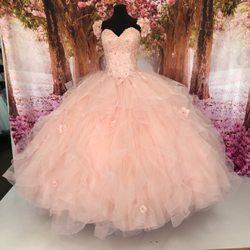 d9480ec096c Top 10 Best Quinceanera Dresses in San Antonio