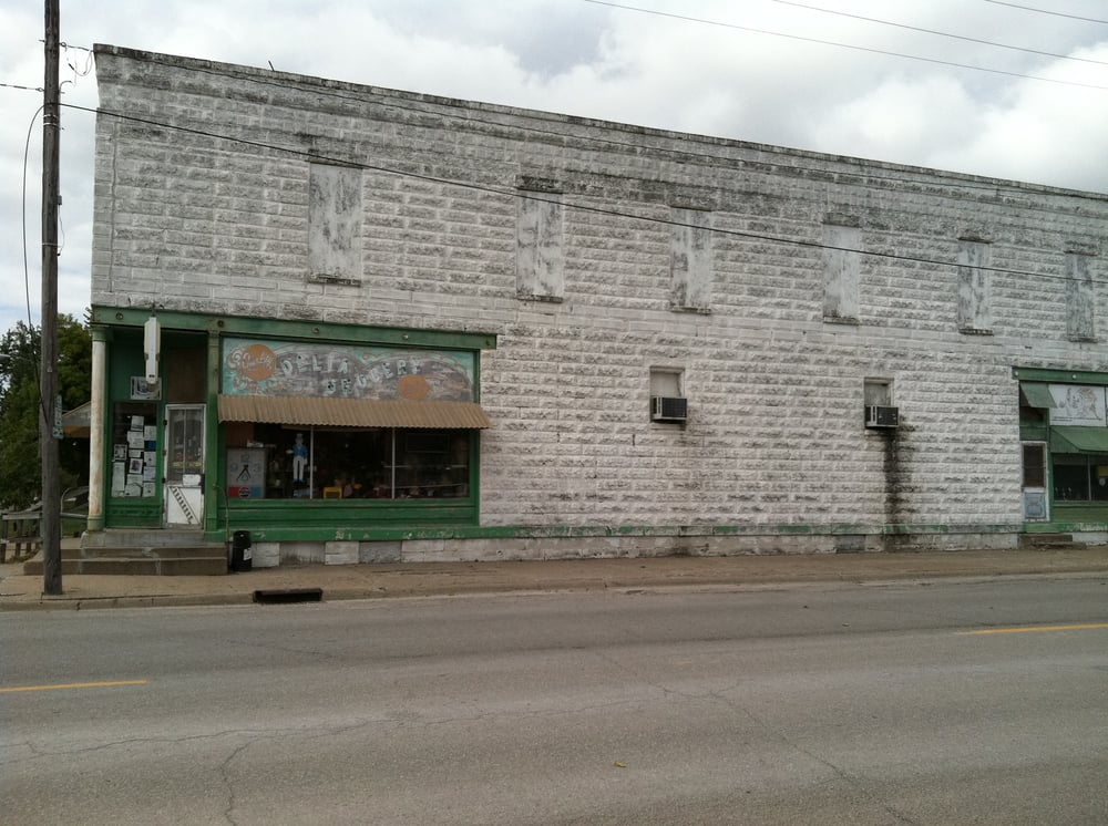 Delta Grocery: 101 N Center St, Delta, IA