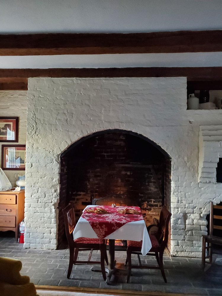 The Inn & Tavern at Meander: 2333 N James Madison Hwy, Locust Dale, VA