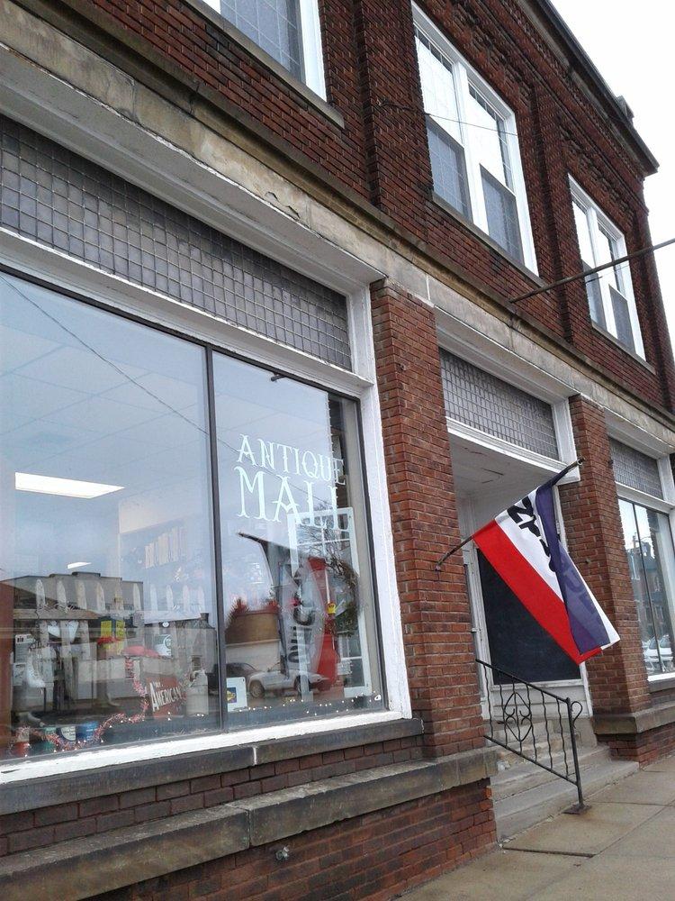 Barnesville Antique Mall: 202 N Chestnut St, Barnesville, OH
