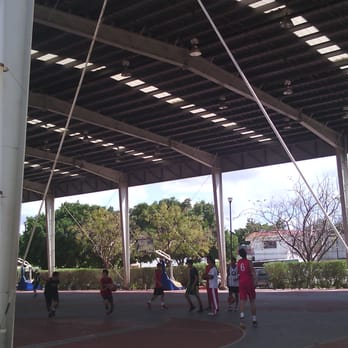Gimnasio polifuncional gimnasios calle 60 312 m rida for Gimnasio 60 entre 8 y 9