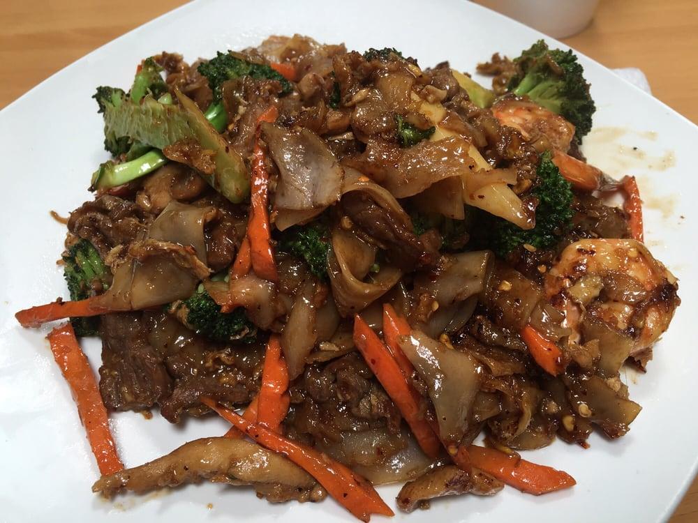 Somboon Thai Food Santa Ana Ca