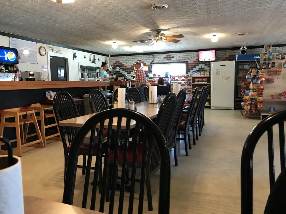 W & W Cafe: 108 E Main St, Hurley, MO