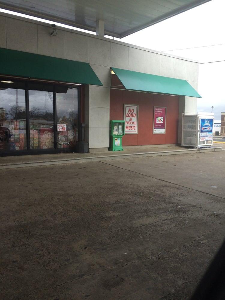 Exxon: 3036 Pine St, Arkadelphia, AR