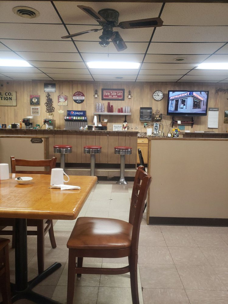 Farm Table Cafe: 11120 US Hwy 20, Garden Prairie, IL