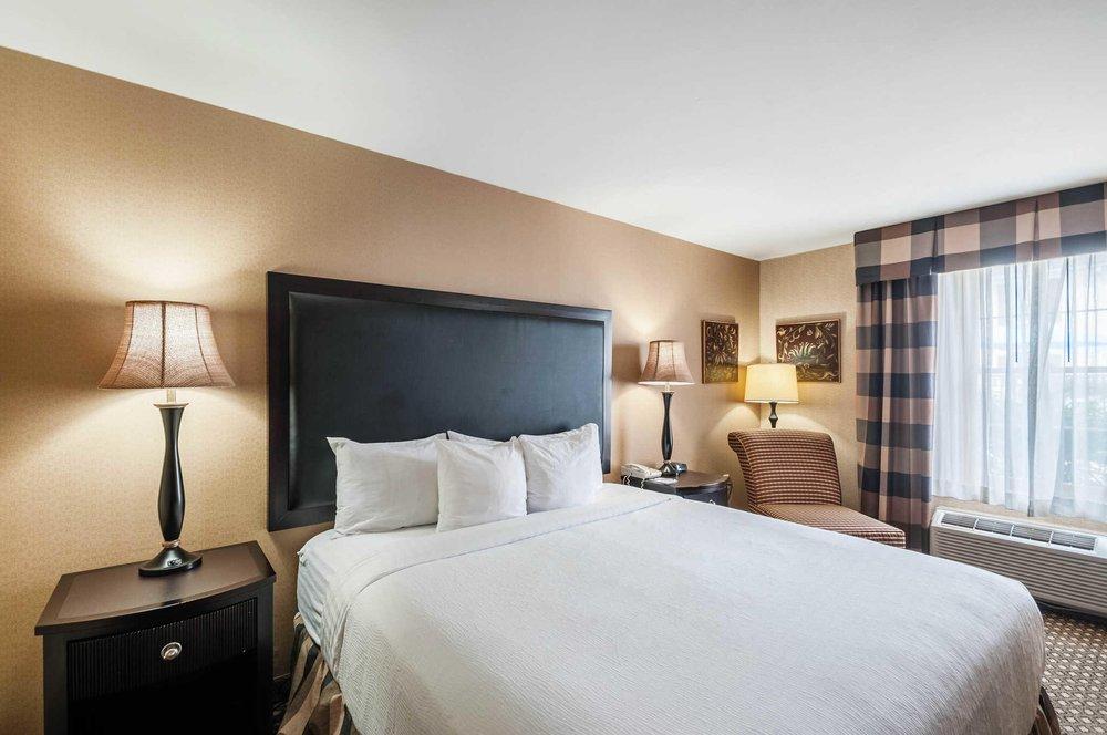 Clarion Hotel & Conference Center Leesburg: 1500 East Market St, Leesburg, VA