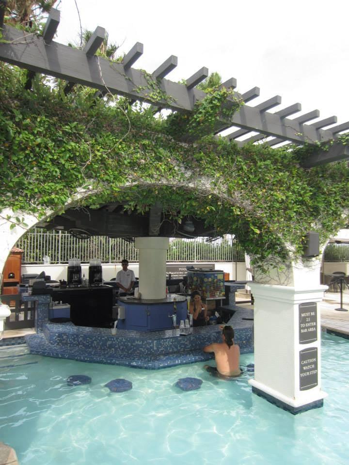Hotel Galvez Pool Bar