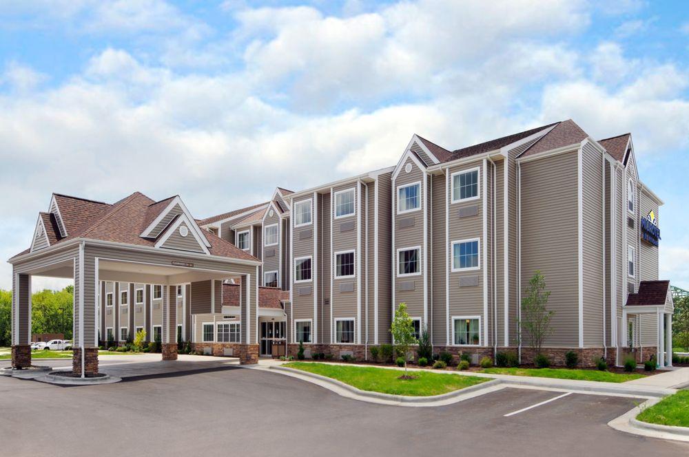 Microtel Inn & Suites by Wyndham Marietta: 506 Pike Street, Marietta, OH