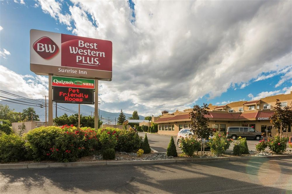 Best Western Plus Sunrise Inn: 5506 Main St, Osoyoos, BC