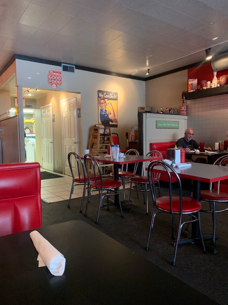 Jersey Girl Diner: 174 W Main St, Morristown, TN