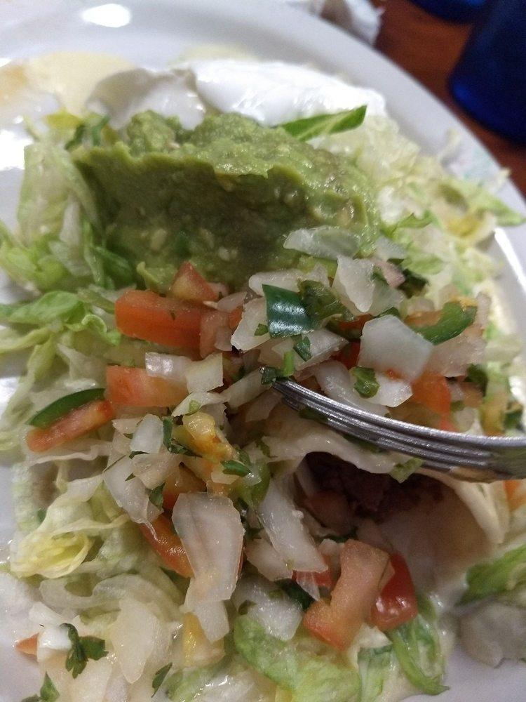 La Carreta Mexican Restaurant: 305 Crossings Mall, Elkview, WV