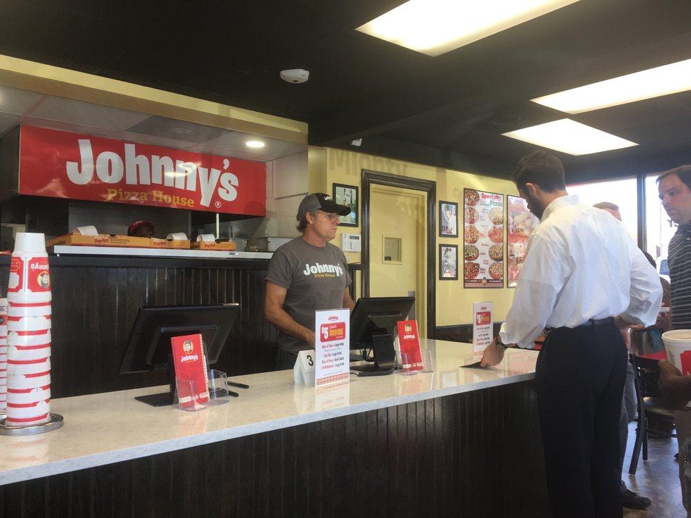 Johnny's Pizza: 104 Mlk Jr Rd, Natchez, MS