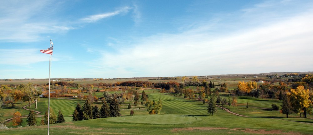 Apple Creek Country Club: 8921 East Highway 10, Bismarck, ND