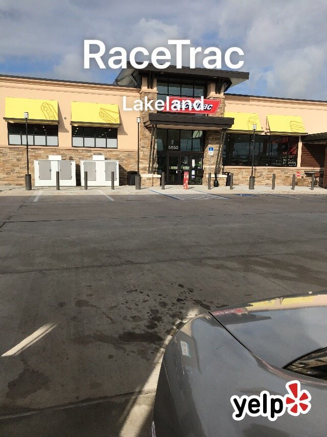Corporate Phone Number: Customer Service Number: Race Trac in Melissa Texas Stopped by to get gas, the message at the pump said to