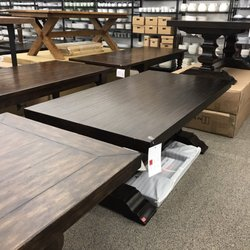 Pottery Barn Outlet Photos Outlet Stores Gravois Bluffs - Pottery barn picnic table