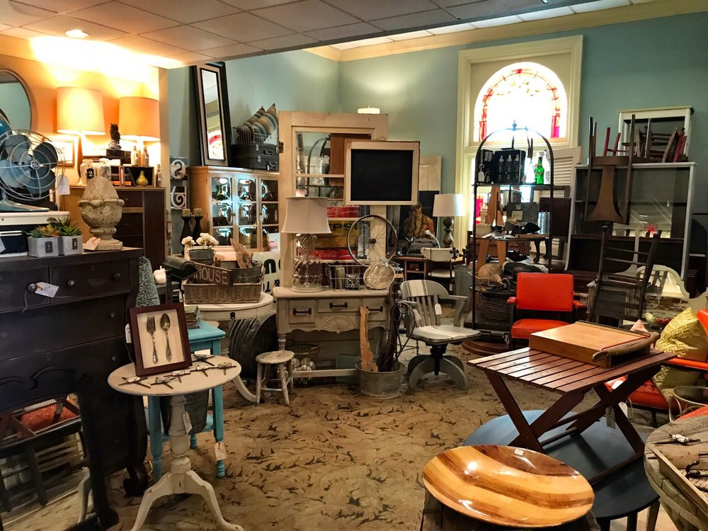 Faded Finds: 654 Highland Ave, Fort Thomas, KY