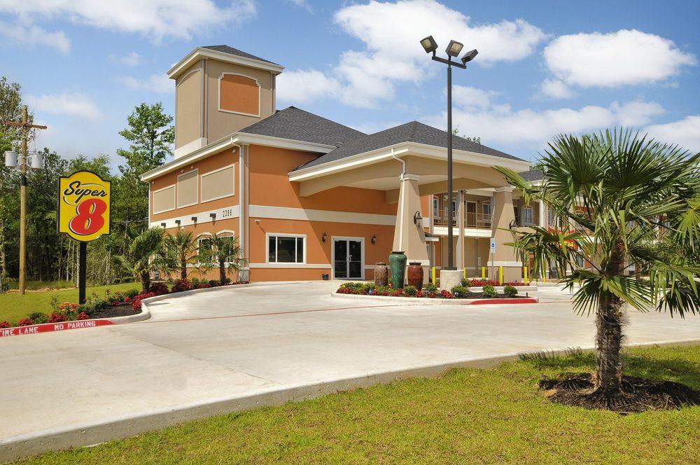 Super 8 by Wyndham Carthage TX: 2386 S.E. Loop, Carthage, TX