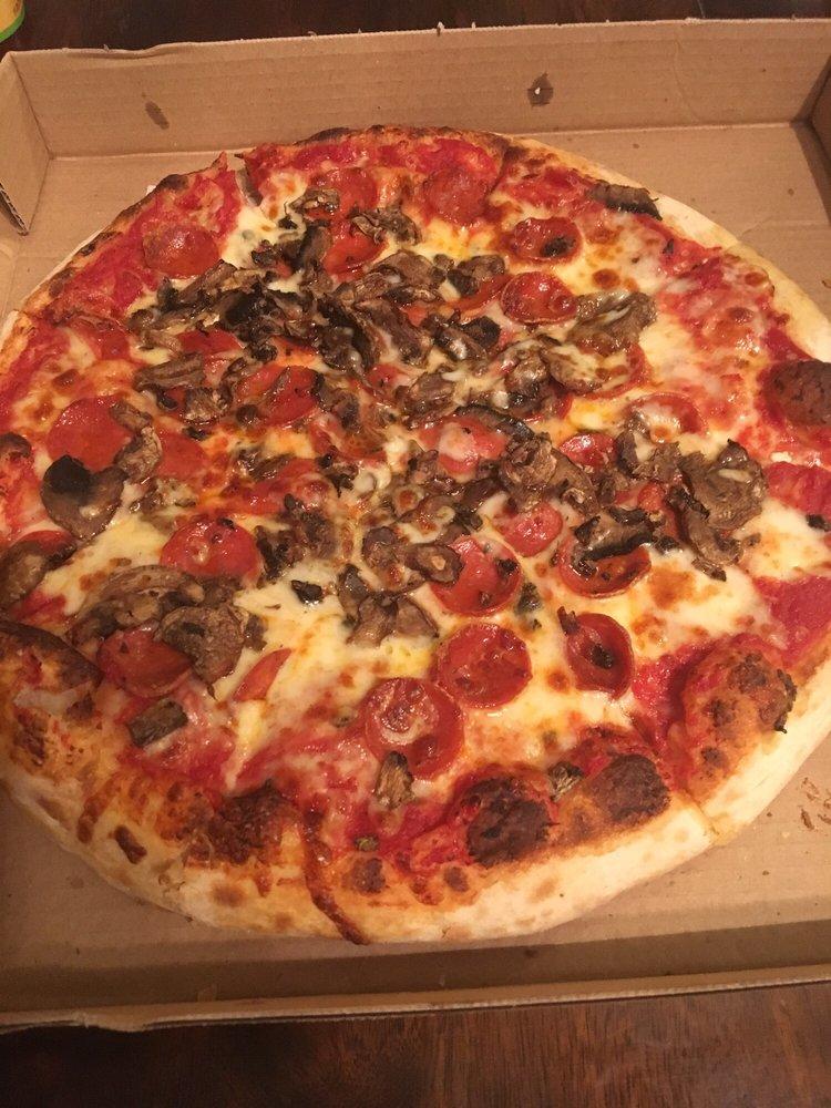 Fellinis Pizzeria: 902 Penn Ave Ext, Turtle Creek, PA
