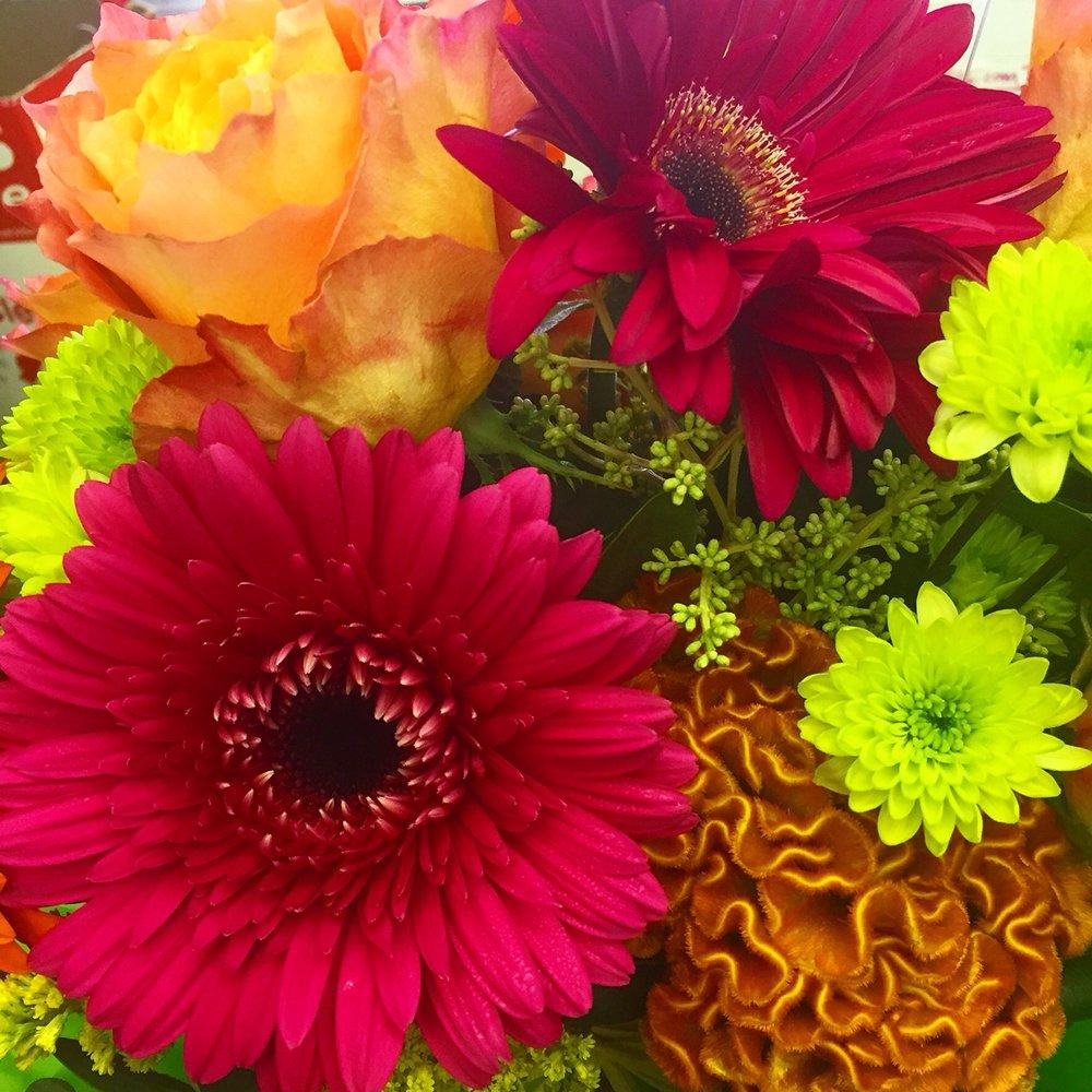 Snapdragon Flowers of Elm Grove: 13458 Watertown Plank Rd, Elm Grove, WI