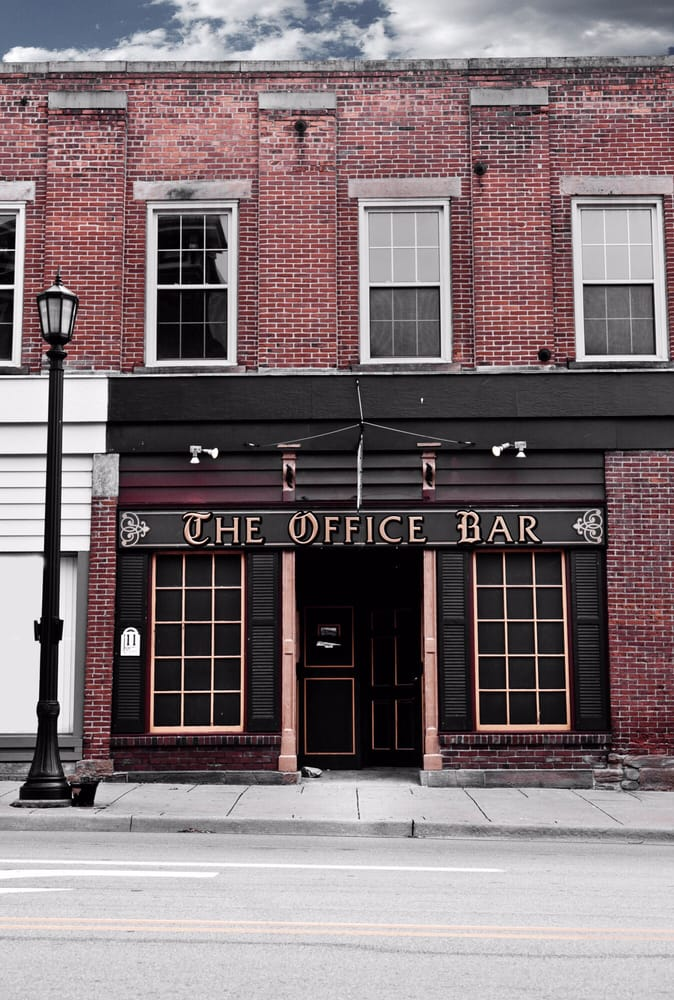 Office Bar: 11 Whittlesey Ave, Norwalk, OH