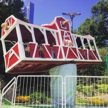 Photo Of Victorian Gardens Amusement Park   New York, NY, United States.  Spinning