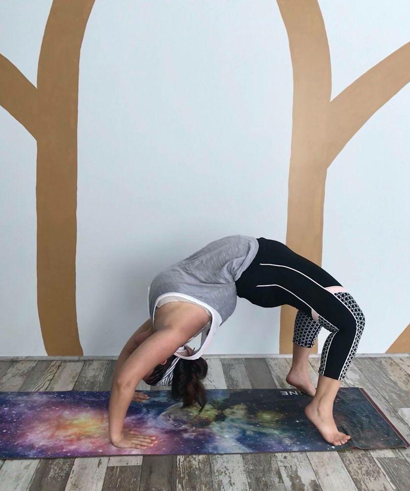 Five Peaks Power Yoga: 19357 Diamond Lake Dr, Leesburg, VA
