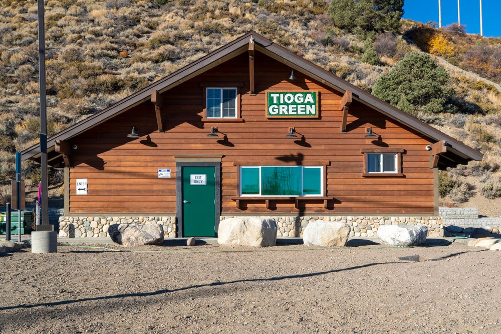 Tioga Green: 51005 Hwy 395, Lee Vining, CA