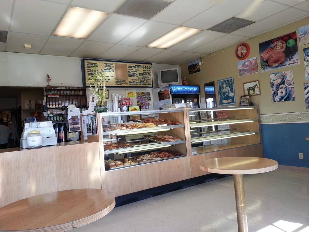 Bonsall Donut House: 5523 Mission Rd, Bonsall, CA