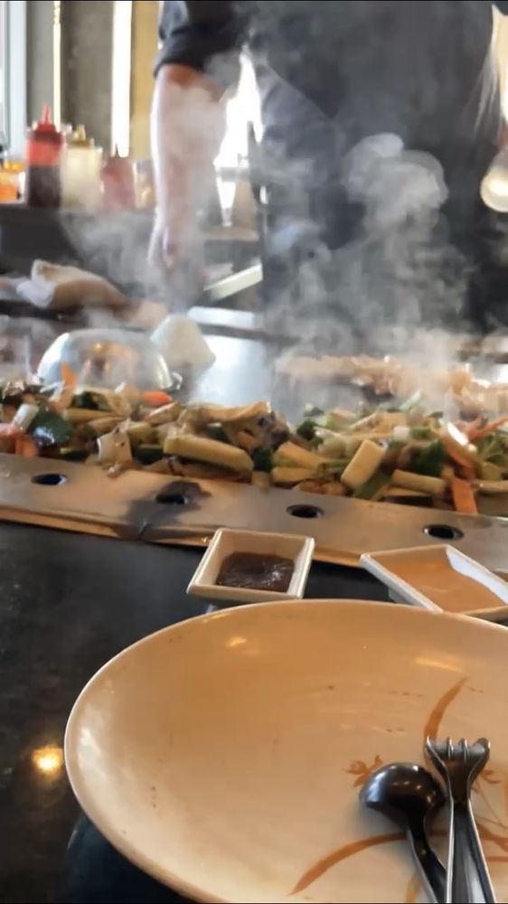 Sakura Japanese Steak and Seafood House & Sushi Bar: 516 Fort Evans Rd, Leesburg, VA