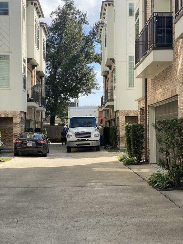 La Movida Movers: 17350 State Hwy 249, Houston, TX