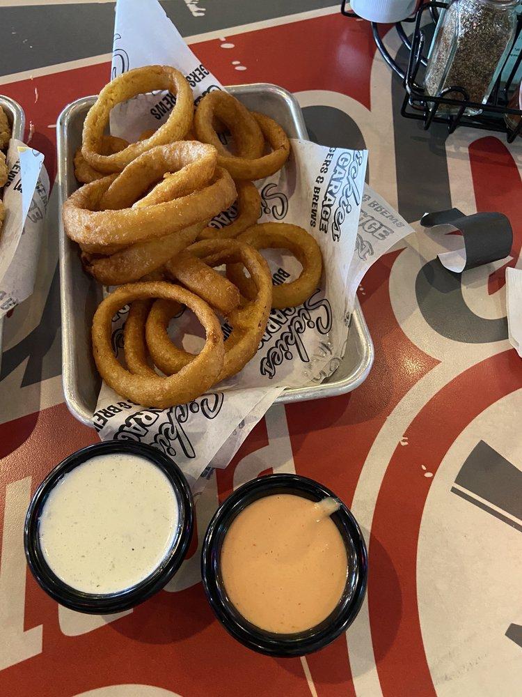 Sickies Garage Burgers & Brews: 3313 E Mall Dr, Rapid City, SD