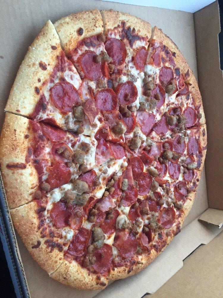 Pizzalicious: 51 E San Patricio Ave, Mathis, TX